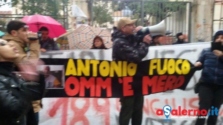 """Animalisti in piazza a Salerno: """"L'obiettivo è cambiare la legge italiana"""" - aSalerno.it"""