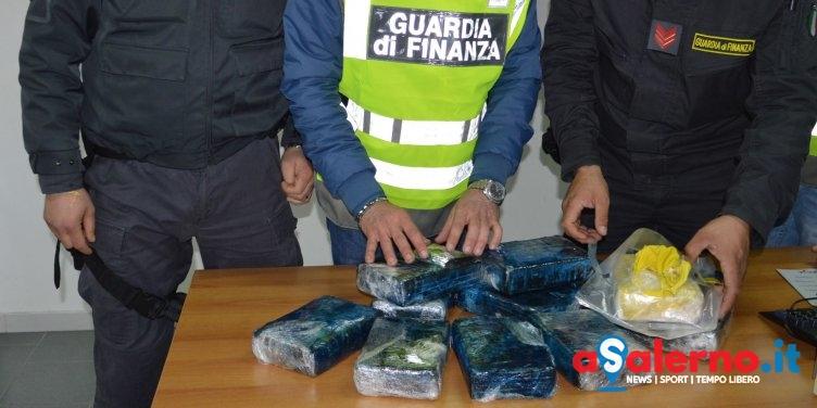 Bloccato a Salerno un tir dall'Olanda, cocaina tra i tulipani - aSalerno.it