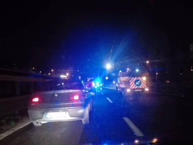 Viene tamponato in autostrada, scende e un'auto lo travolge: impatto fatale per un 40enne - aSalerno.it