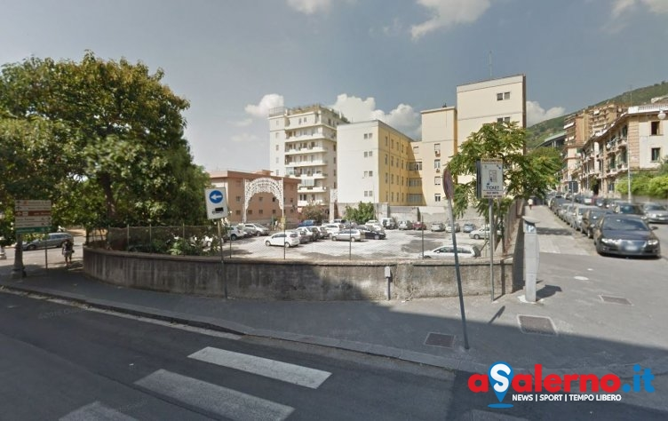 Parcheggio a pagamento dopo le 18 nell'area del Genio Civile in via Porto - aSalerno.it