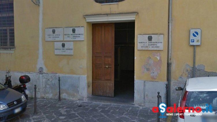 Rubava nelle auto in sosta, in manette 16enne di origini rom - aSalerno.it