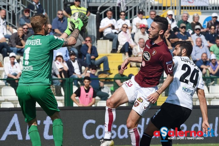 Salernitana e Pro Vercelli si dividono la posta in palio - aSalerno.it