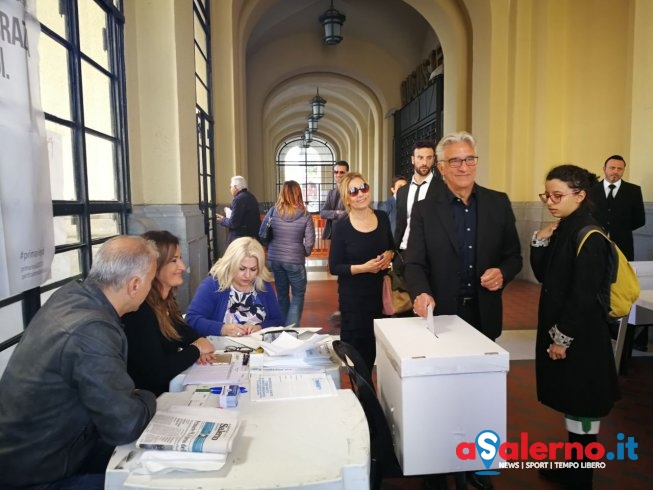 """Primarie Pd, il sindaco Napoli: """"Vittoria netta di Renzi.. De Luca motore del cambiamento"""" - aSalerno.it"""