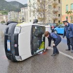 Incidente auto poste (2)