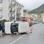 Incidente auto poste (3)