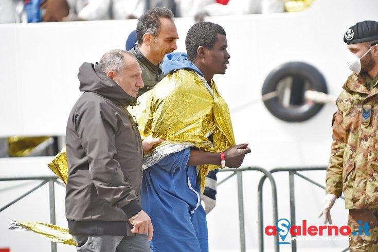 Sbarco migranti a Salerno, controlli specifici sui siriani - aSalerno.it