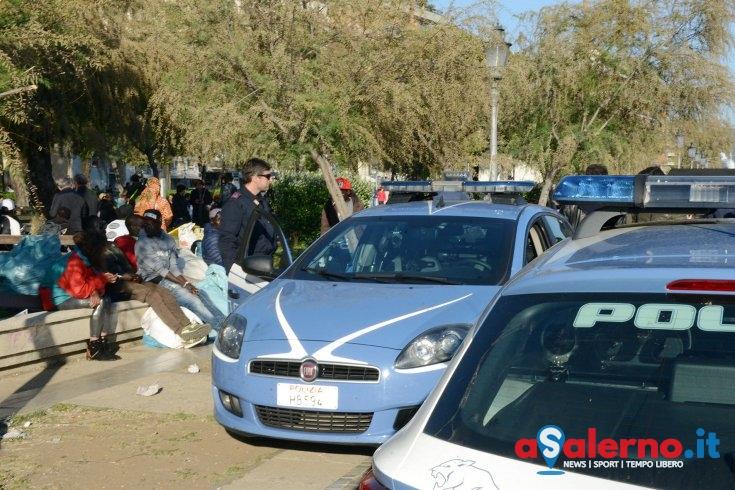 Baby rapinatori sul lungomare, arrestato 17enne gambiano: era sbarcato a Salerno il 26 maggio - aSalerno.it