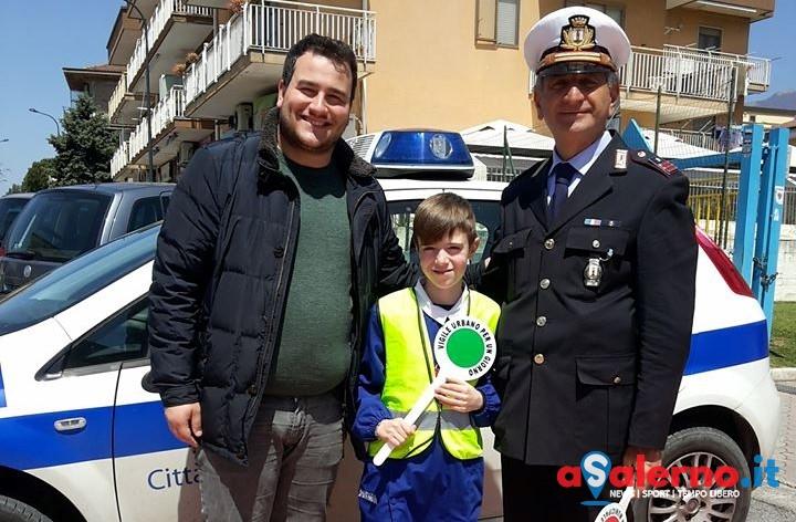Questa mattina un vigile speciale per regolare il traffico a Sava di Baronissi – FOTO - aSalerno.it