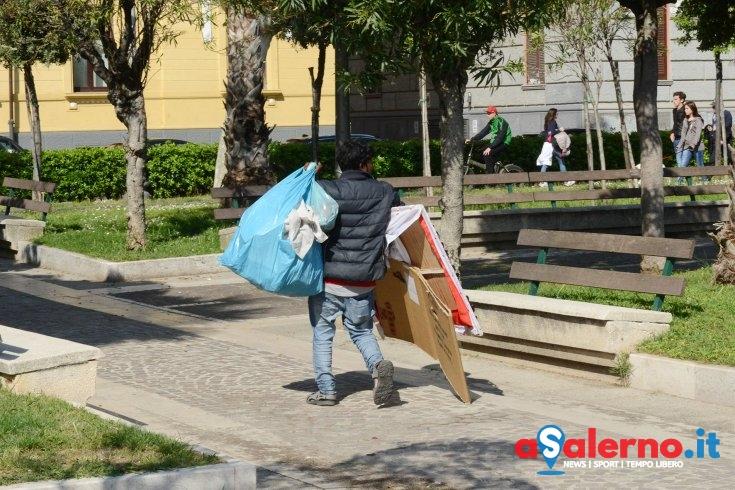 Violenta resistenza agli agenti della Municipale, arrestato ambulante abusivo senegalese - aSalerno.it