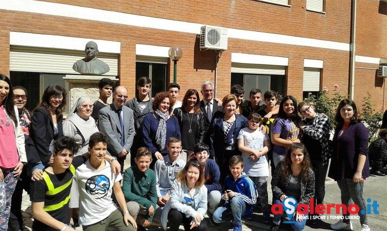 Una lavagna elettronica per gli alunni dello Smaldone – FOTO - aSalerno.it