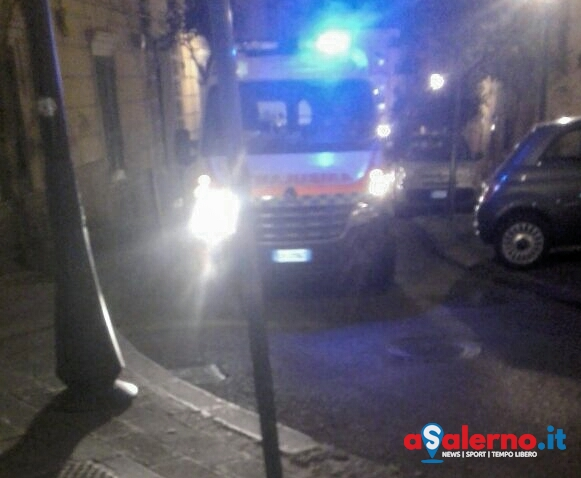 Giovane sviene in via Diaz, interviene la Misericordia - aSalerno.it