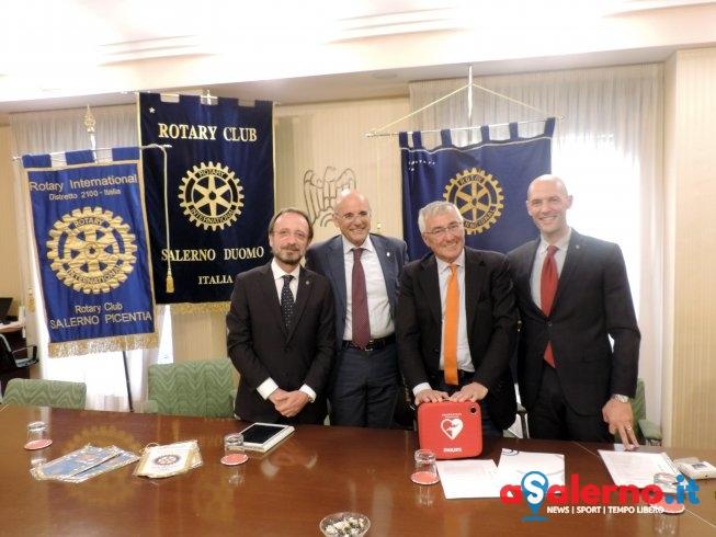 """""""Salerno Città Cardioprotetta"""", Rotary consegna defibrillatore a Confindustria – FOTO - aSalerno.it"""