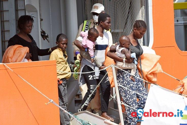 Migranti, venerdì nuovo sbarco a Salerno - aSalerno.it
