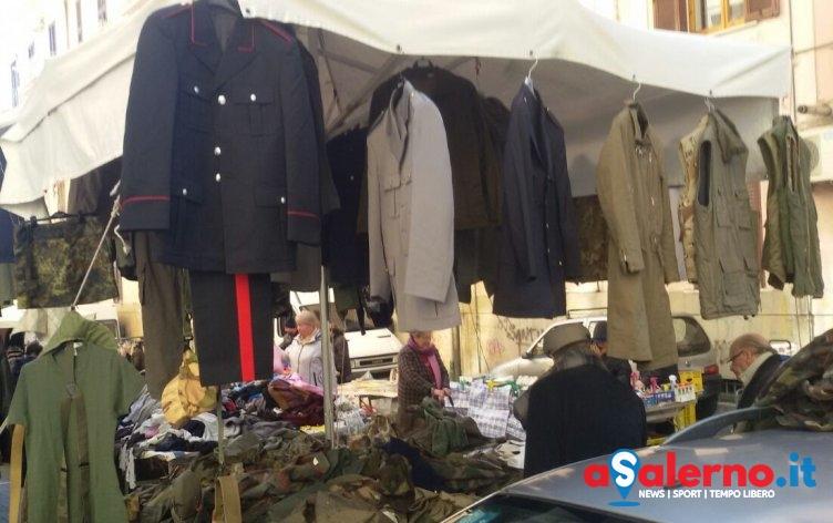 Vendevano divisa dei Carabinieri al mercato di via Piave, aperto un fascicolo in Procura - aSalerno.it