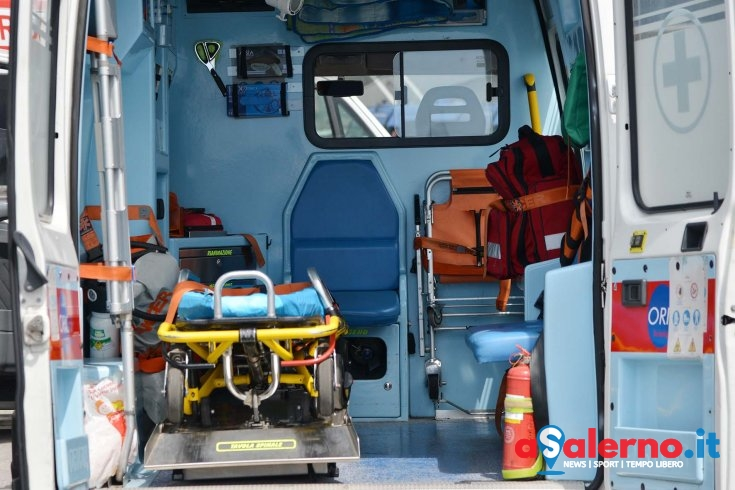 Bimbo nasce in ambulanza a Salerno - aSalerno.it