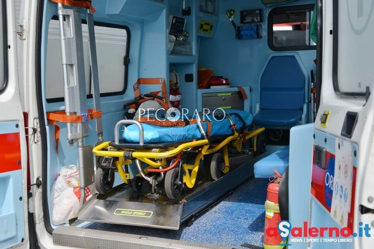Salerno, minaccia il suicidio: 17enne salvato dalla Polizia - aSalerno.it