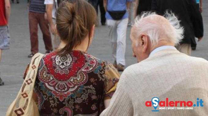 Salernitano truffato da una donna dell'Est: vende la casa per darle i soldi - aSalerno.it