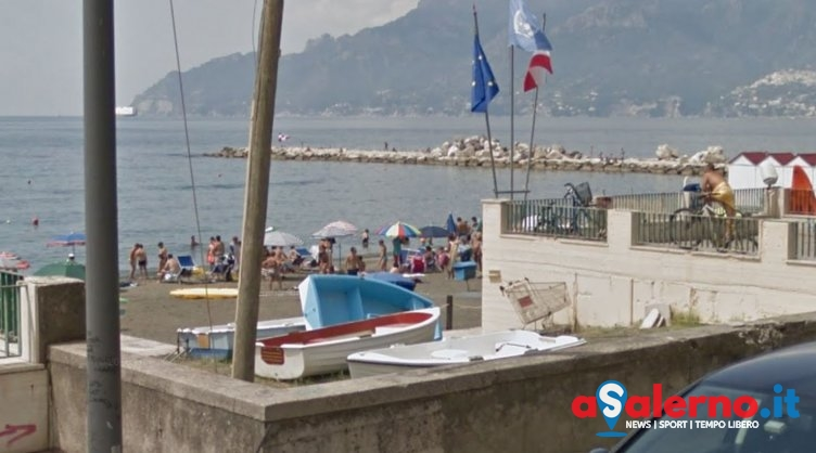 Infarto sulla spiaggia a Mariconda, uomo trasportato d'urgenza al Ruggi - aSalerno.it
