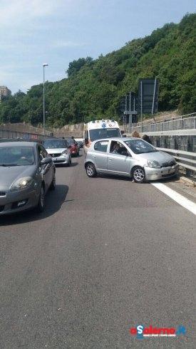 Tamponamento all'uscita di Fratte, 2 persone soccorse – FOTO - aSalerno.it