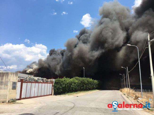 Carabinieri indagano sull'incendio di Battipaglia: non si esclude la pista dolosa - aSalerno.it