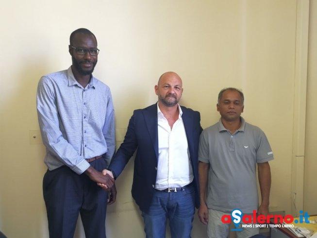 """Vertice senegalesi e bengalesi con l'assessore Loffredo: """"Clima sereno, ne riparleremo"""" - aSalerno.it"""