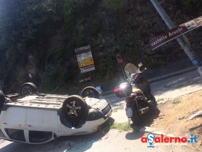 Scontro tra auto e moto in via Santa Croce, due feriti - aSalerno.it