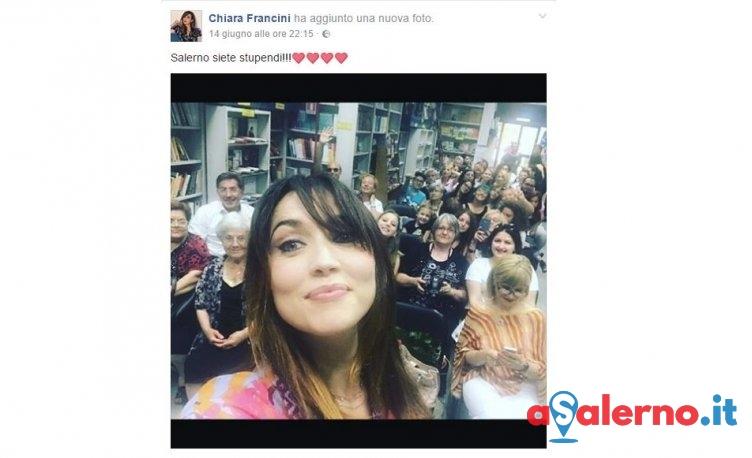 Chiara Francini a spasso per Salerno prima del debutto al Teatro Verdi - aSalerno.it