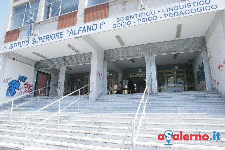 """""""Due studentesse dell'Alfano I aggredite all'uscita"""" - aSalerno.it"""