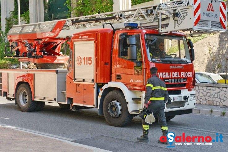 Roccadaspide, in fiamme deposito di Poste Italiane - aSalerno.it
