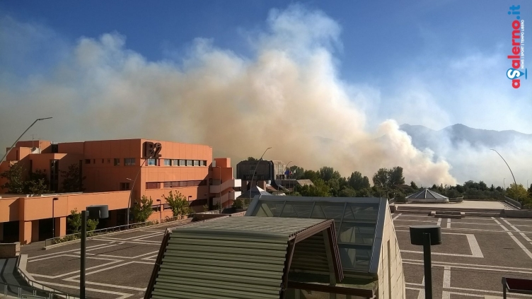 Dramma incendi in provincia di Salerno: è già emergenza - aSalerno.it