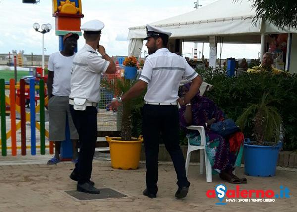 Camerota, blitz della Polizia locale: sgomberato dagli extracomunitari viale Pietro Troccoli - aSalerno.it