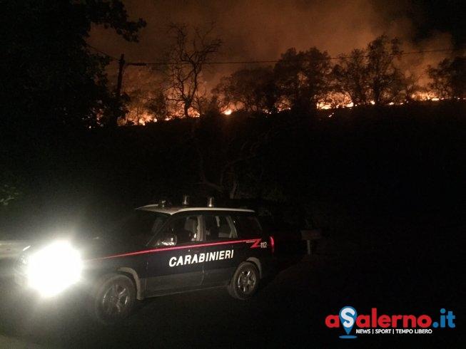 Accende fuoco in una sua proprietà, scoperto dai Carabinieri: denunciato operaio forestale - aSalerno.it