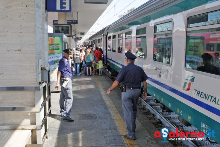 Storia d'amore finisce male, 33enne tenta il suicidio sotto un treno - aSalerno.it