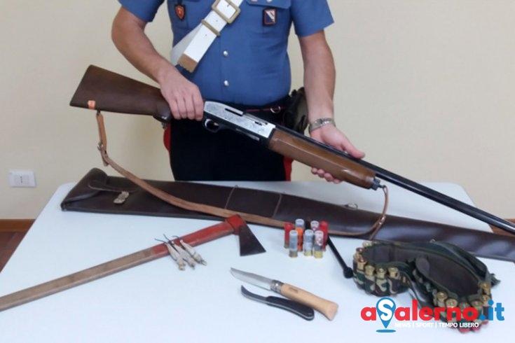 Fucile semiautomatico, 70 munizioni, tre petardi e  due coltelli: denunciato teggianese - aSalerno.it