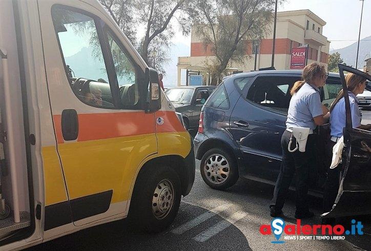 Incidente sul lungomare: donna perde il controllo dell'auto, in codice rosso al Ruggi – FOTO - aSalerno.it