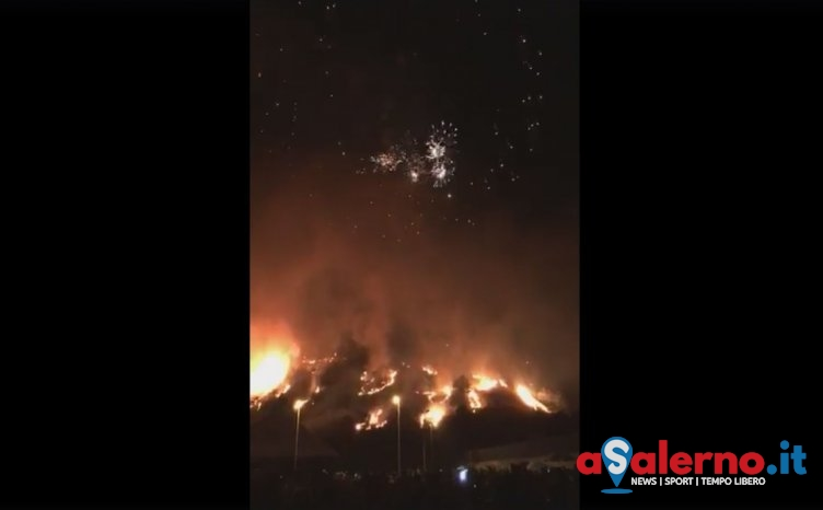 In fiamme montagna durante i festeggiamenti di San Rocco: chieste le dimissioni del sindaco - aSalerno.it