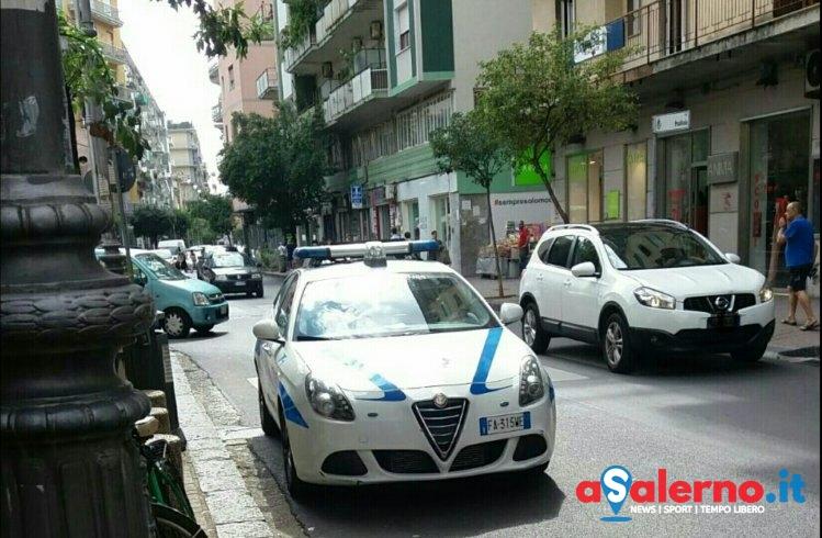 Tensione a Pastena, ausiliare lo multa e scatta la lite - aSalerno.it