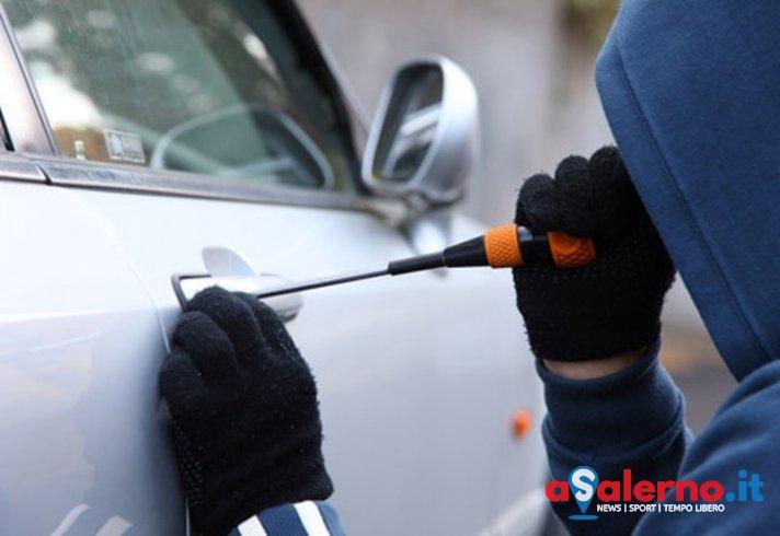 Le puntano pistola alla testa e rubano la vettura: la denuncia di una salernitana - aSalerno.it