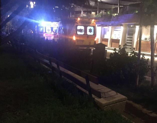 Salerno, giovane colpito da un infarto all'Embarcadero: è grave - aSalerno.it