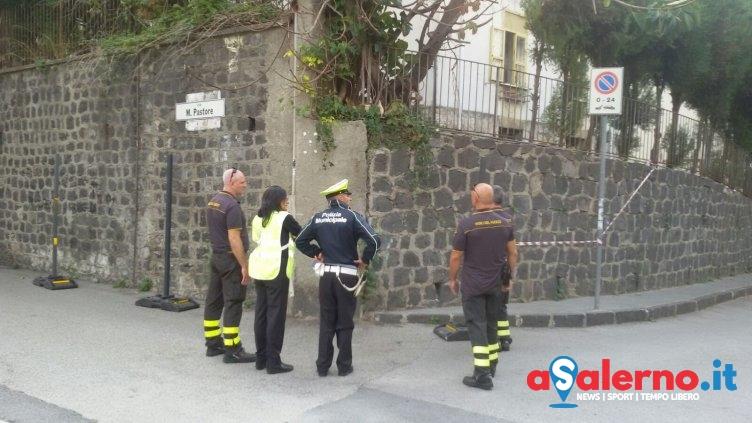 Muro pericolante sul Carmine, intervengono i Vigili del Fuoco – LE FOTO - aSalerno.it