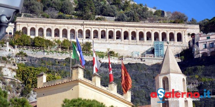 Amalfi: dopo oltre trent'anni riapre l'ascensore per il cimitero monumentale - aSalerno.it