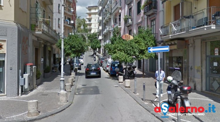 Donna precipita dal terzo piano in via Fieravecchia, sul posto la Polizia - aSalerno.it