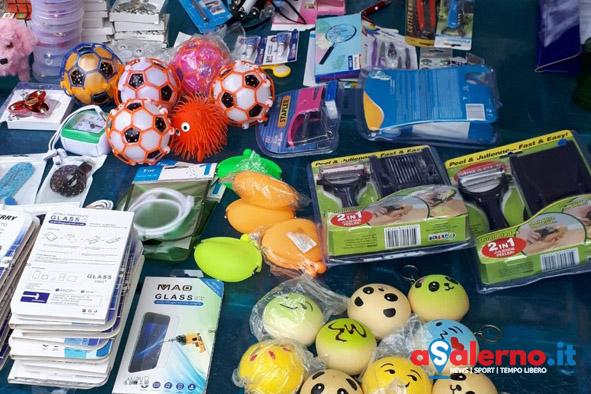 Controlli al mercato di Vallo della Lucania: sequestrati prodotti per la scuola e giocattoli - aSalerno.it