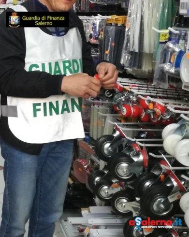 Blitz Fiamme Gialle, sequestrati 14mila prodotti non sicuri nel salernitano - aSalerno.it