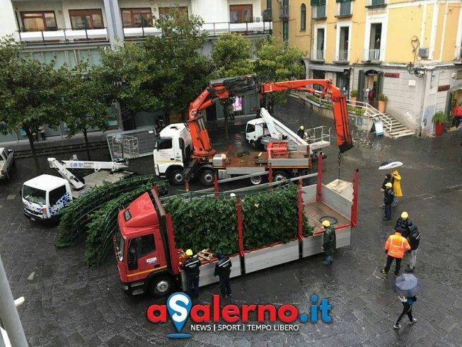 """""""Luci montate da dipendenti comunali?"""" - aSalerno.it"""
