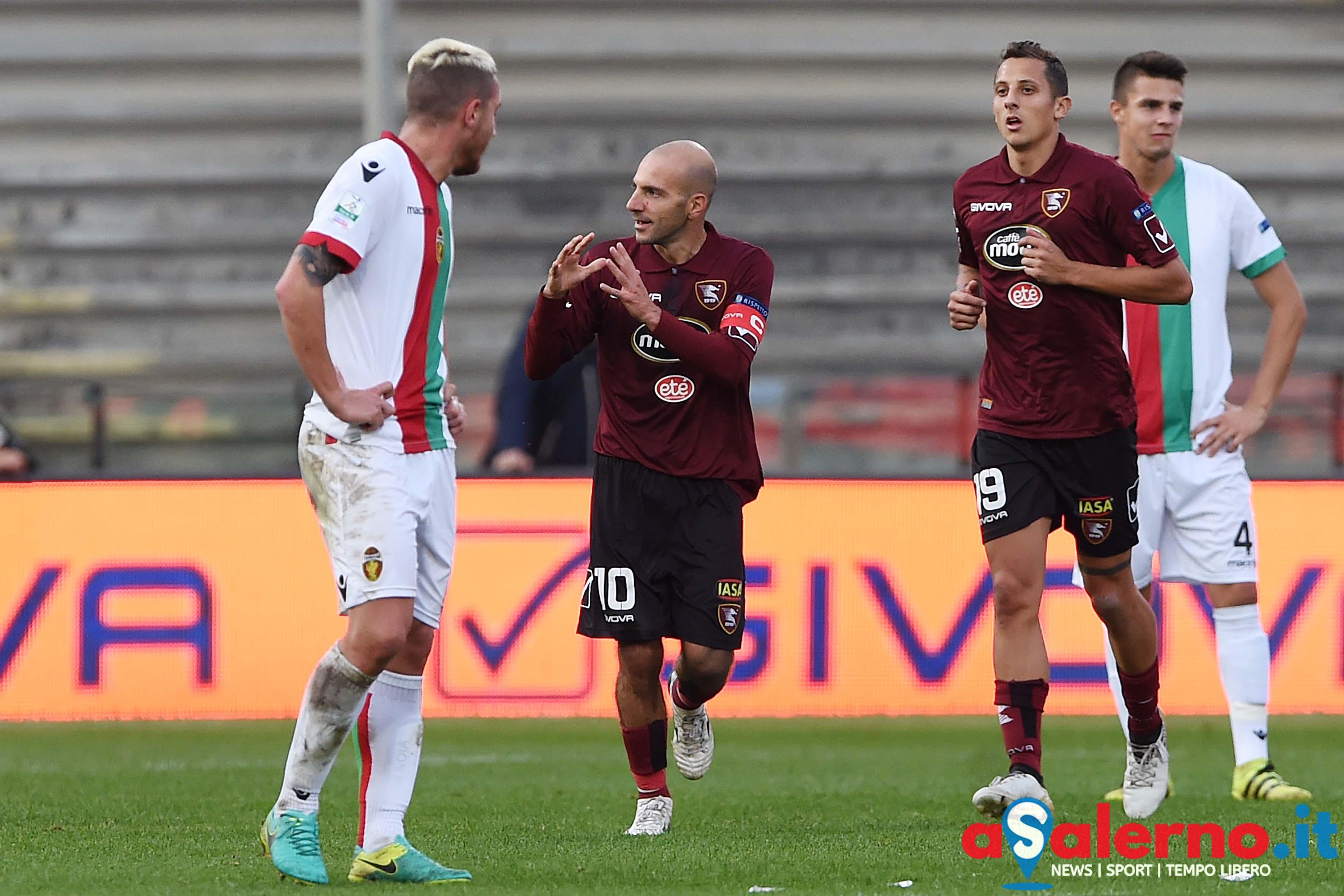 Salernitana-Bari 2-2: all'Arechi finisce in parità. Doppiette per Galano e Rossi