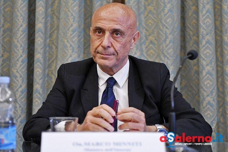 Venerdì i funerali per le 26 ragazze: a Salerno anche il Ministro dell'Interno Marco Minniti - aSalerno.it