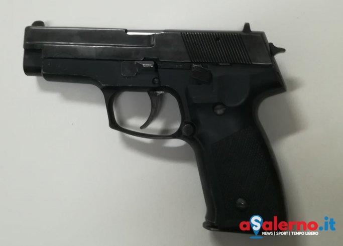 Mariconda: non gli fanno il finanziamento, minaccia promotore finanziario con una pistola - aSalerno.it