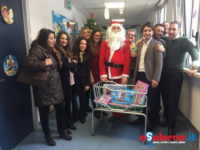 """Ruggi, il Leo Club Host Salerno porta """"Babbo Natale"""" al reparto di Pediatria - aSalerno.it"""