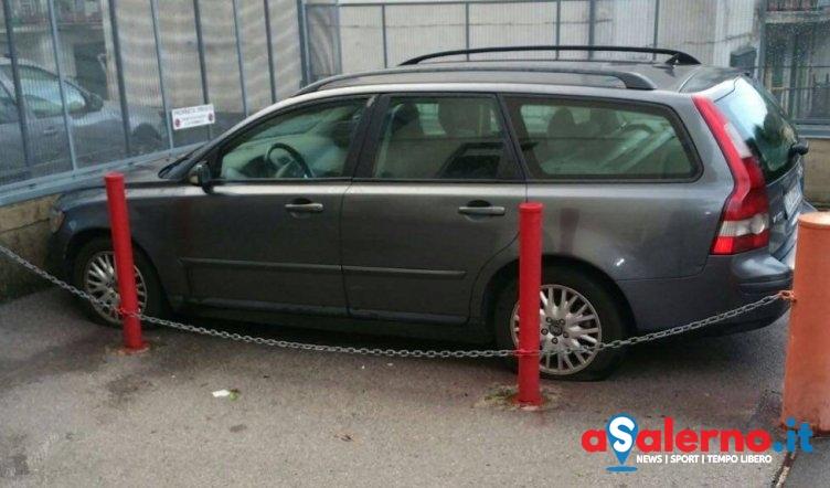 Cava de'Tirreni: Bucano le ruote dell'auto del sindaco e dell'assessore – LE FOTO - aSalerno.it